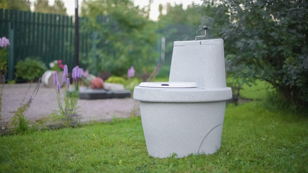 tualet-torfyanoj-rostok-belyj-granit-5